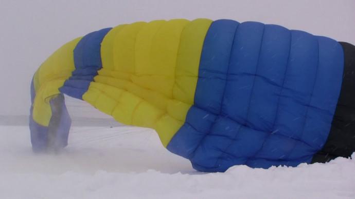 Полёты на аэрошюте в снегопад с клубом АИРСПОРТ